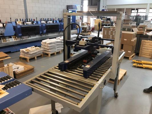 De Witt MH FJ 1 AW Box closing machine